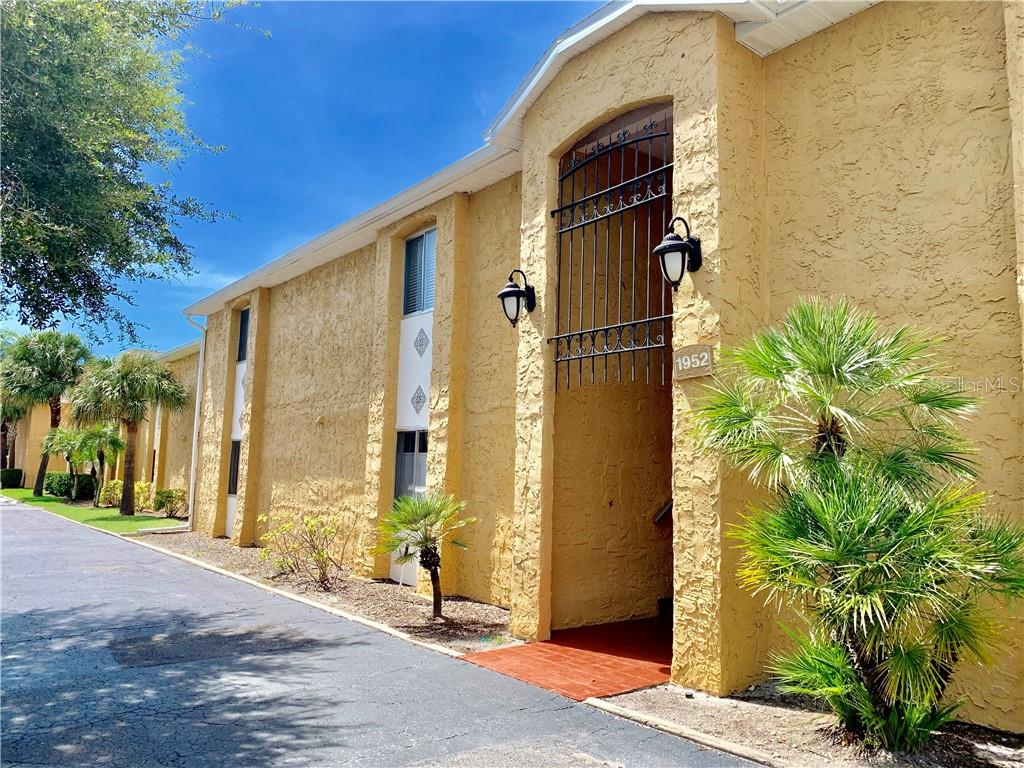 1952 TOUCAN WAY #1403 Property Photo - SARASOTA, FL real estate listing