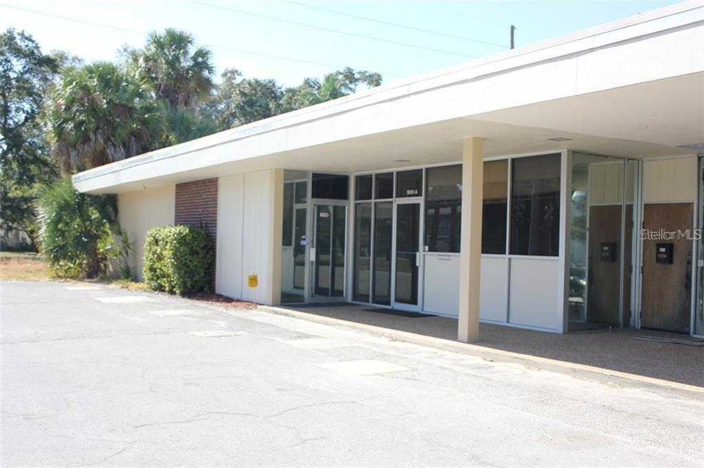 1015 N EAST AVENUE Property Photo