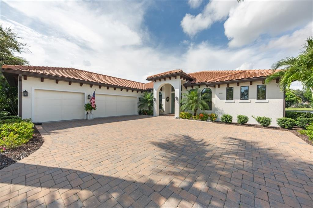 5305 ASHTON OAKS COURT Property Photo - SARASOTA, FL real estate listing