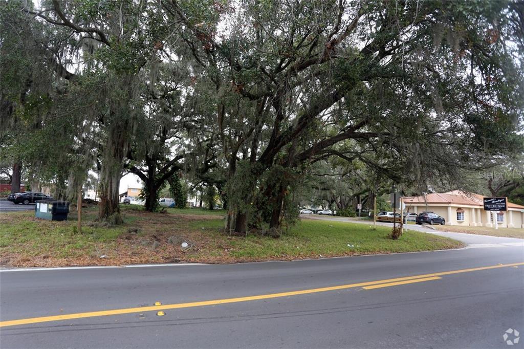 113 E Robertson Street Property Photo