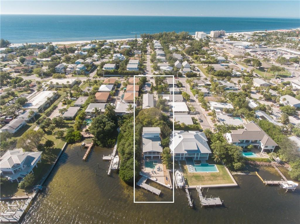 4915 Gulf Drive Property Photo