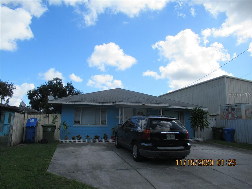 2113 10th Street W Property Photo