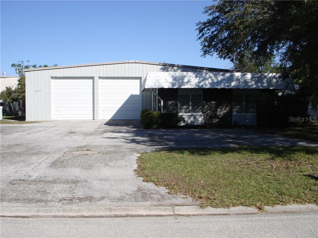 2221 Whitfield Park Avenue Property Photo