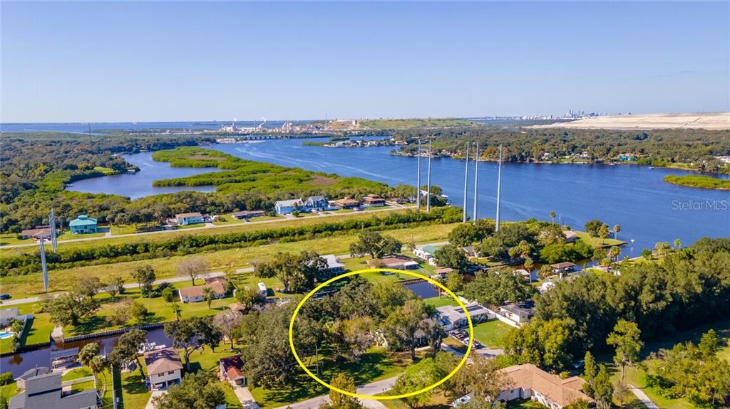 9913 RIVER DRIVE Property Photo - GIBSONTON, FL real estate listing