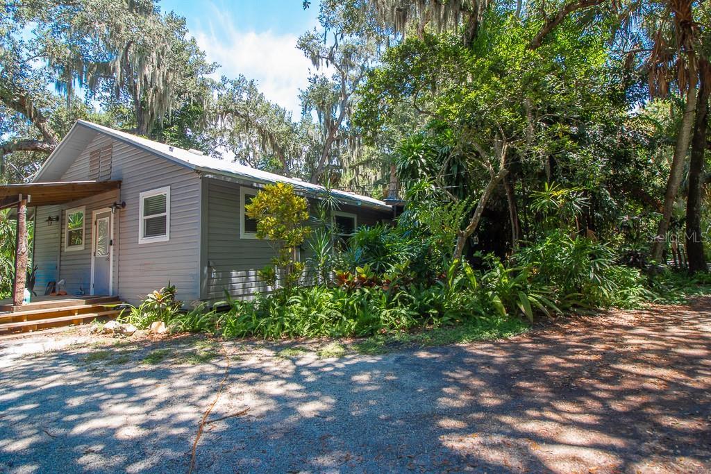 2795 Riverside Property Photo