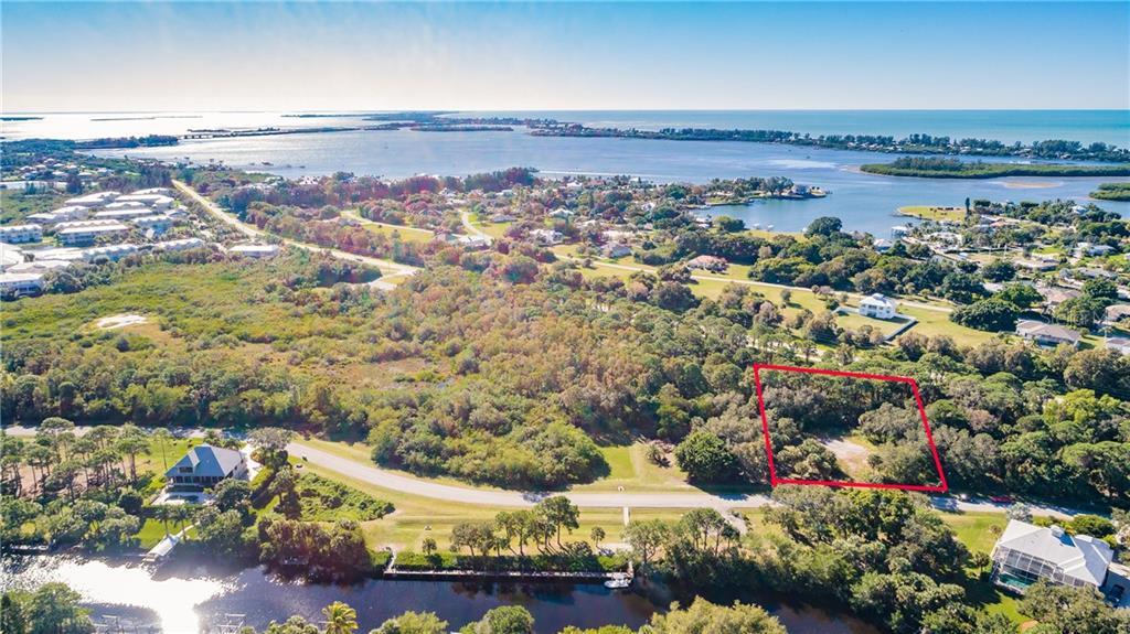 10131 Creekside Drive Property Photo