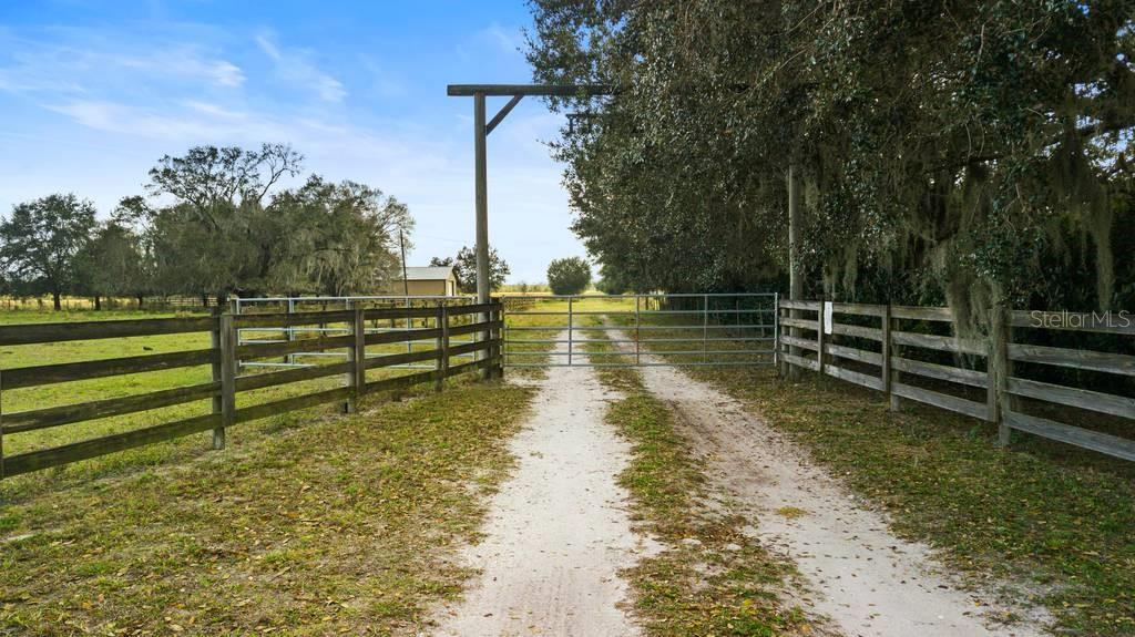 33720 SINGLETARY ROAD Property Photo - MYAKKA CITY, FL real estate listing