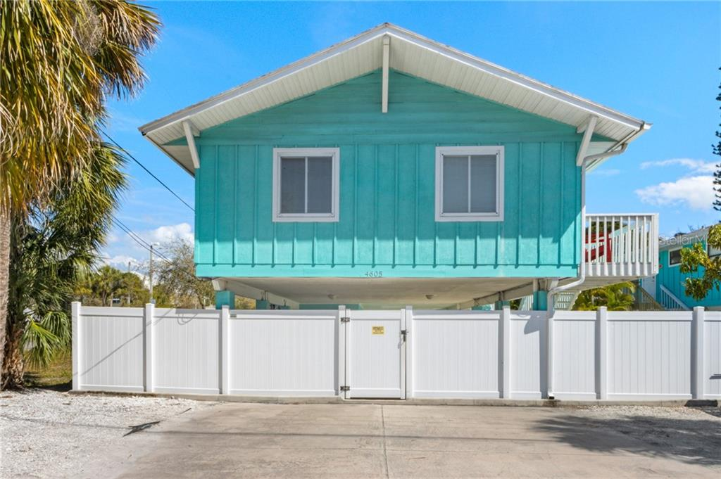 4605 Gulf Drive Property Photo