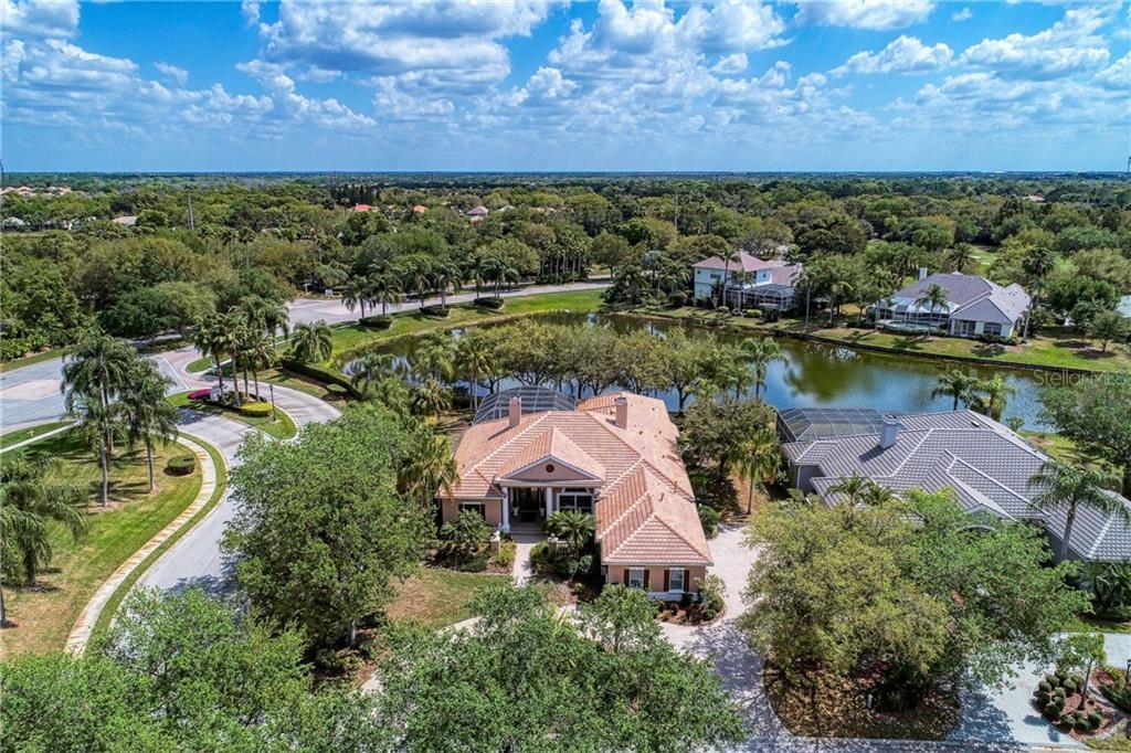 7303 WESTMINSTER COURT Property Photo - UNIVERSITY PARK, FL real estate listing