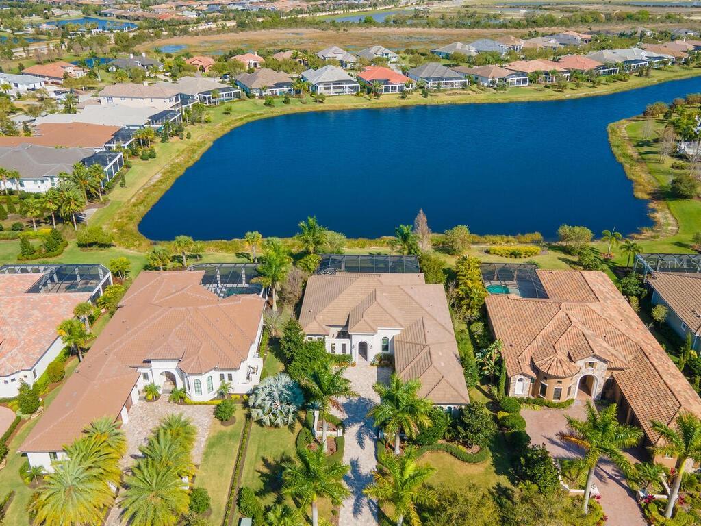 16122 DAYSAILOR TRAIL Property Photo - LAKEWOOD RANCH, FL real estate listing