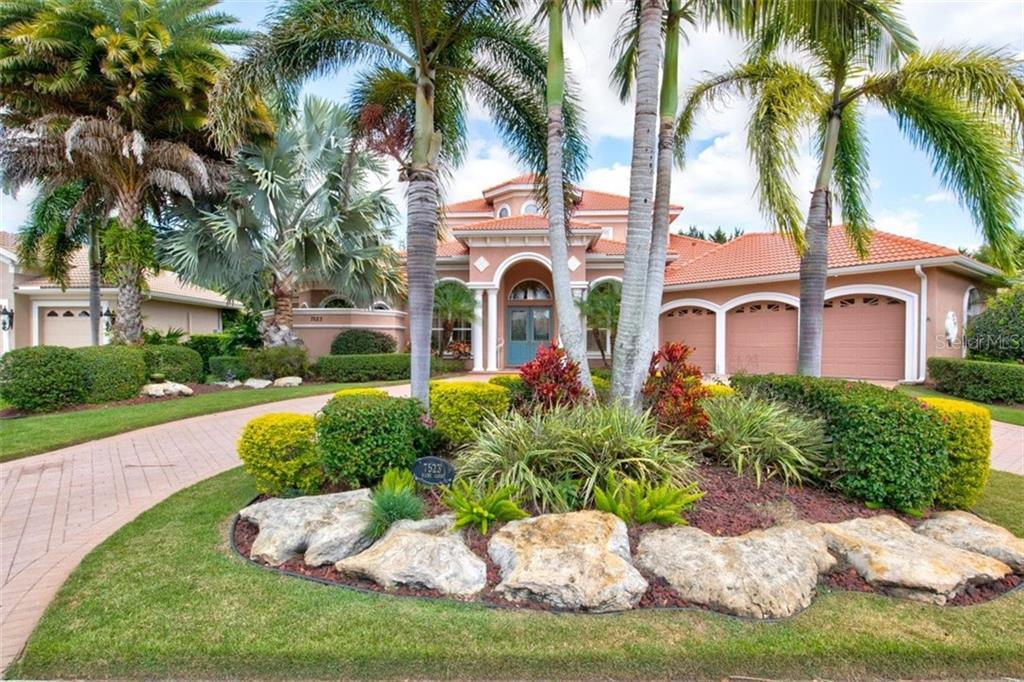 7523 RIGBY COURT Property Photo - LAKEWOOD RANCH, FL real estate listing