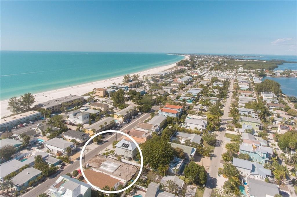 2305 AVENUE C Property Photo - BRADENTON BEACH, FL real estate listing