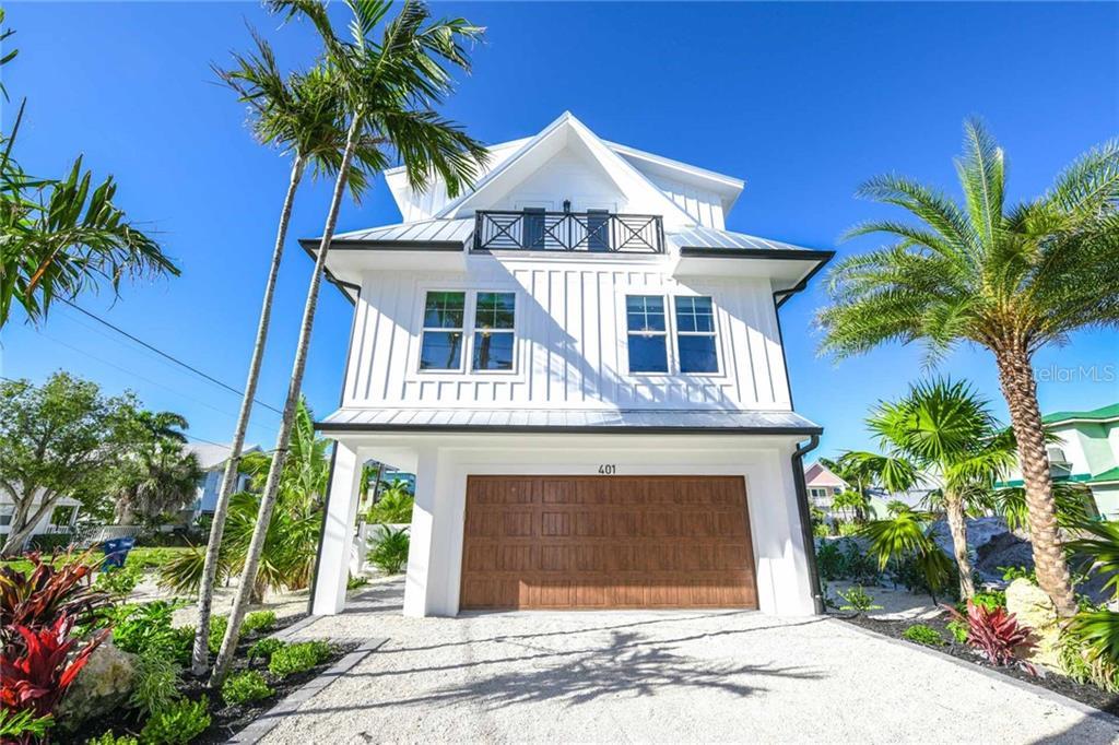 2200 AVENUE B Property Photo - BRADENTON BEACH, FL real estate listing