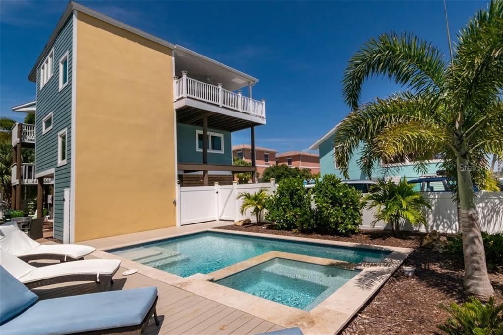 104 6TH STREET S Property Photo - BRADENTON BEACH, FL real estate listing