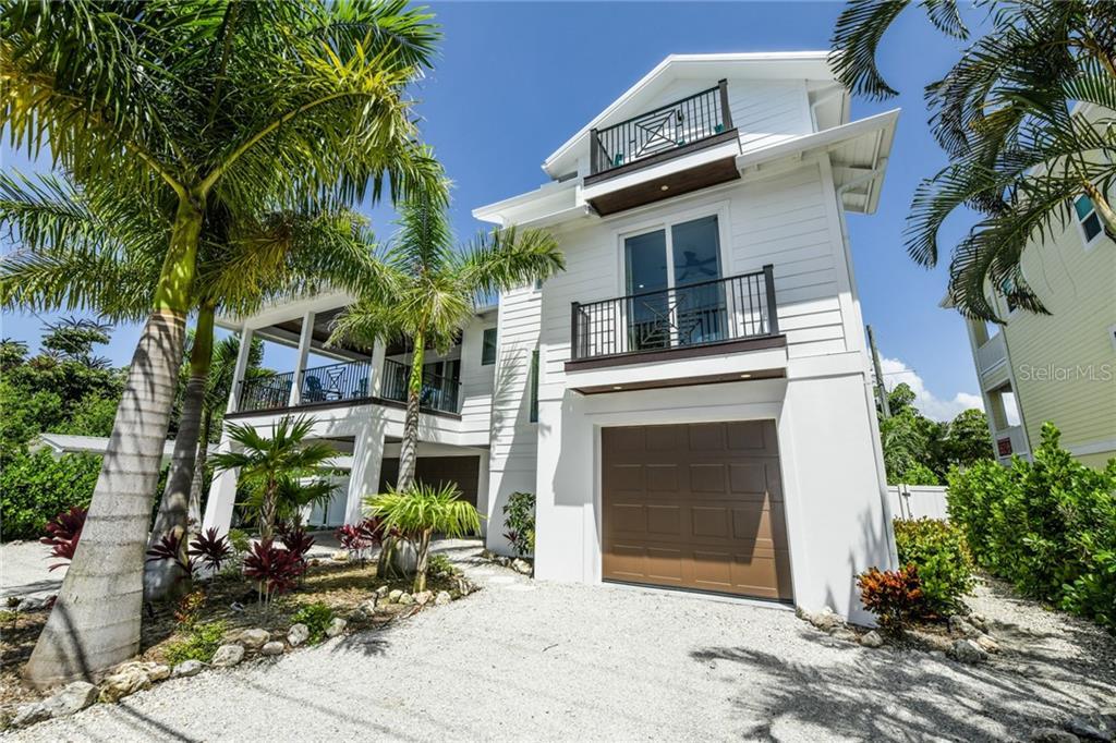 2207 AVENUE C Property Photo - BRADENTON BEACH, FL real estate listing