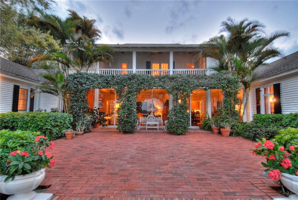 3821 FLAMINGO AVENUE Property Photo - SARASOTA, FL real estate listing