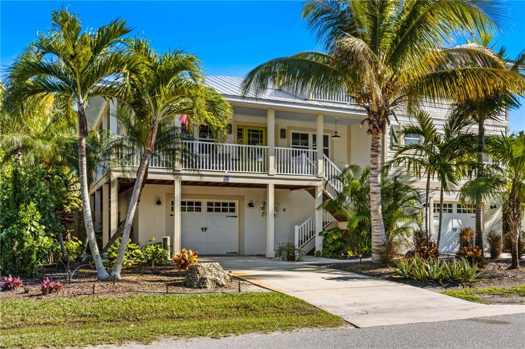 517 MAGNOLIA AVENUE Property Photo - ANNA MARIA, FL real estate listing