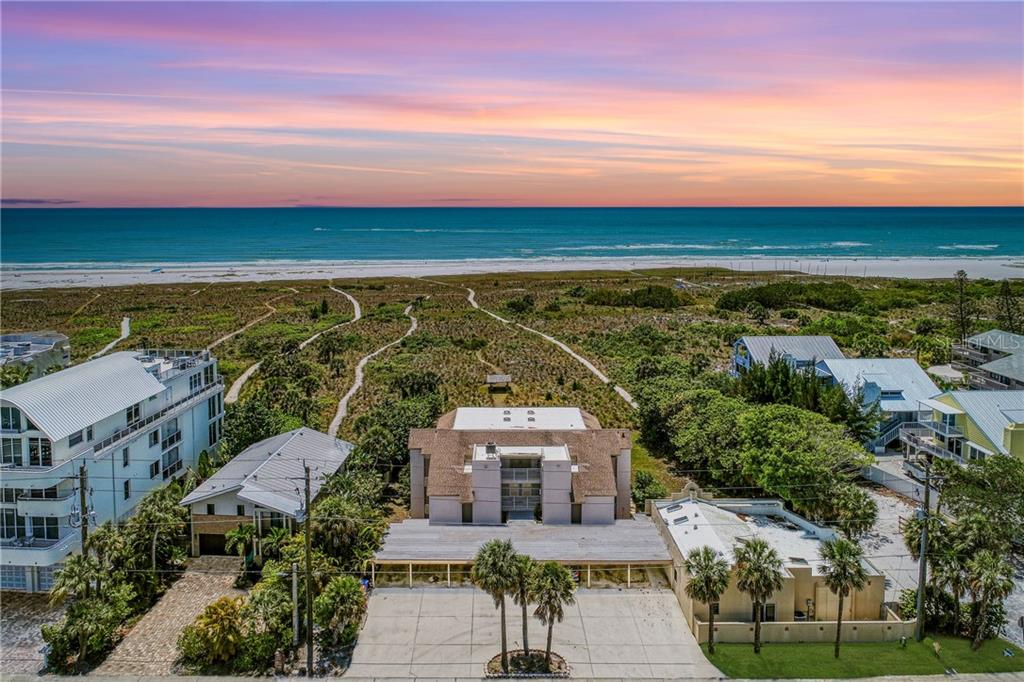 524 BEACH ROAD #B Property Photo - SARASOTA, FL real estate listing