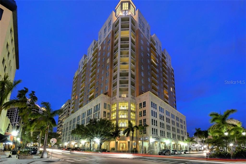 1350 MAIN STREET #704 Property Photo - SARASOTA, FL real estate listing