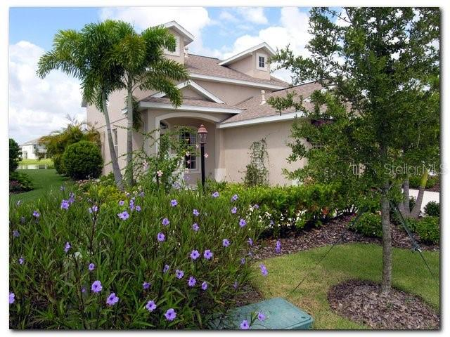 15330 SEAROBBIN DRIVE Property Photo - LAKEWOOD RCH, FL real estate listing