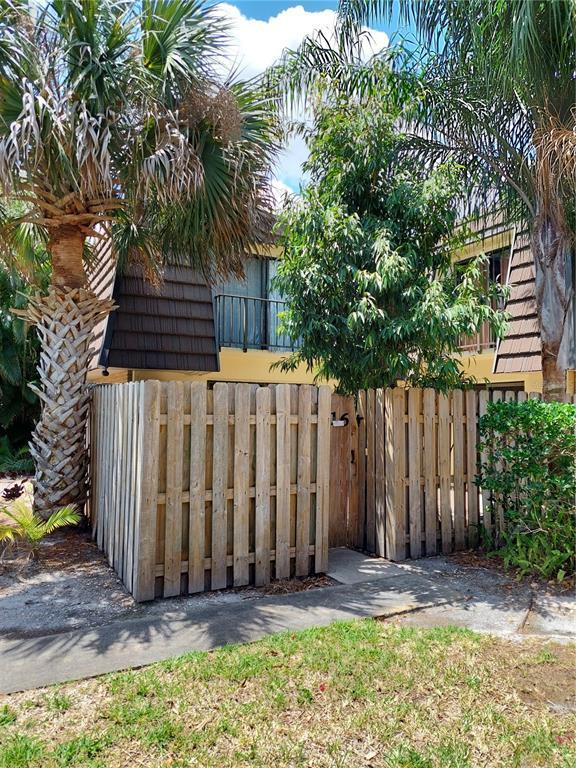 1016 Vista Oaks Circle Ne Property Photo