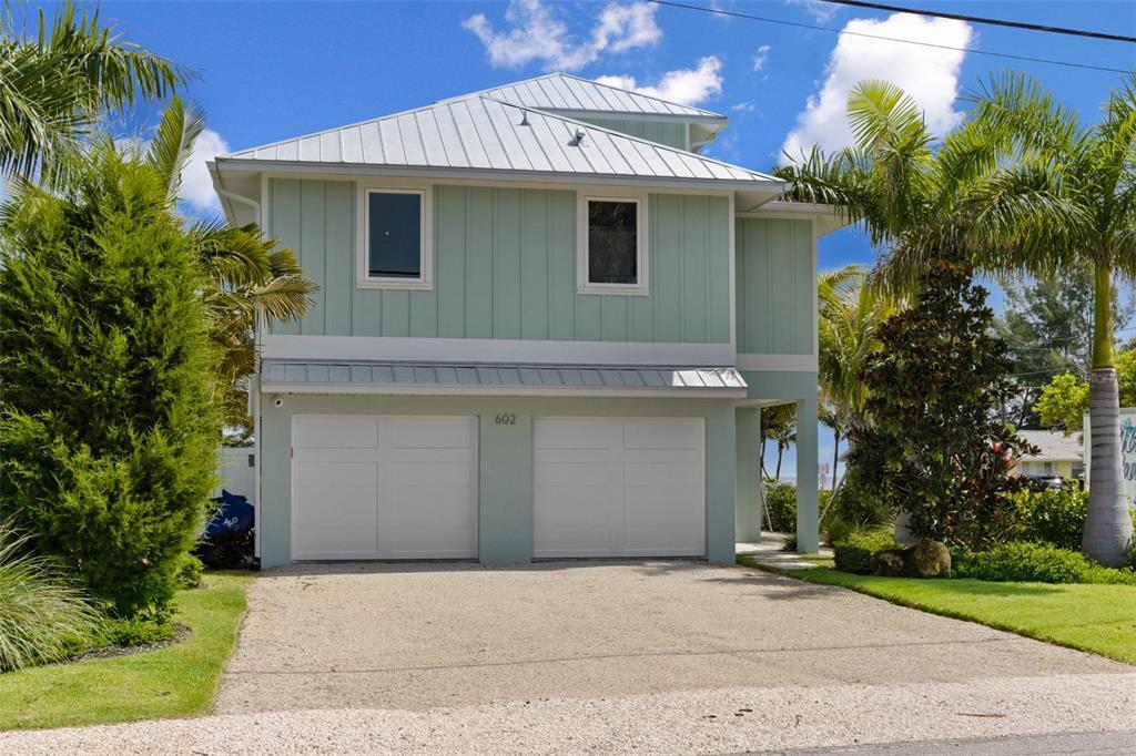 602 N Bay Boulevard Property Photo