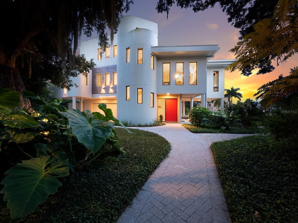 950 Alameda Way Property Photo 1