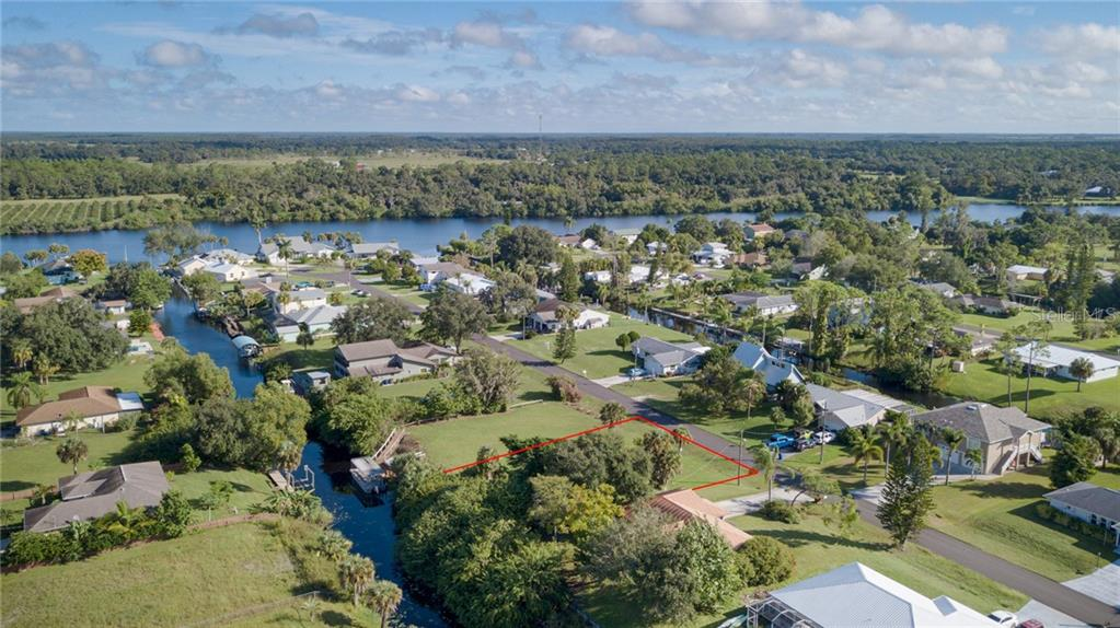 2210 WAYLIFE CT Property Photo - ALVA, FL real estate listing
