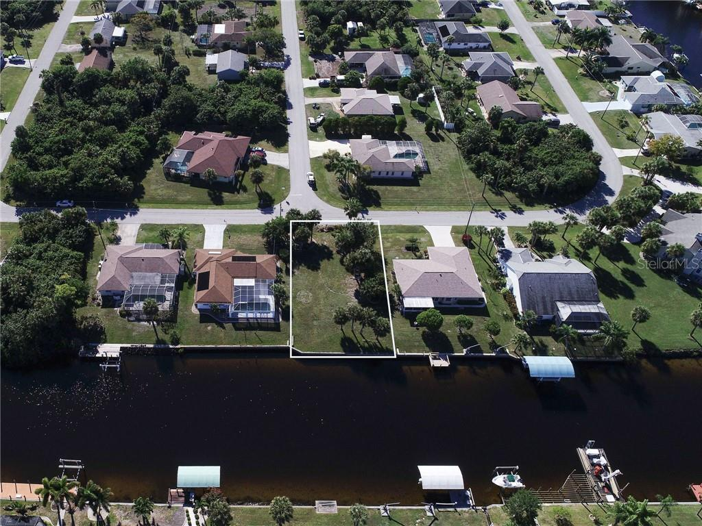 BRIGGS CIR Property Photo - PORT CHARLOTTE, FL real estate listing
