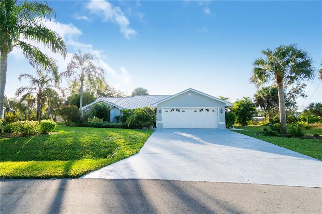1098 GENERAL ST Property Photo - PORT CHARLOTTE, FL real estate listing