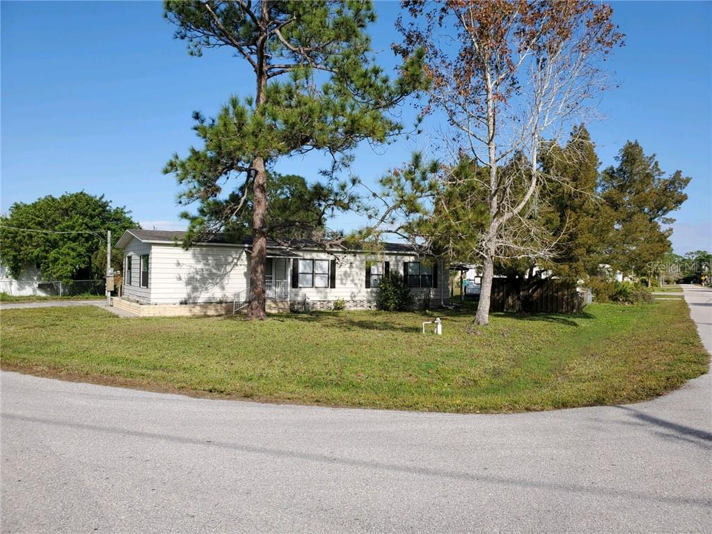 15554 Mapletree Dr Property Photo