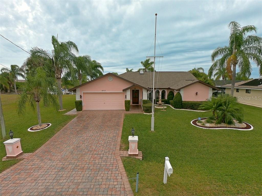 4203 SURFSIDE CT Property Photo - PORT CHARLOTTE, FL real estate listing