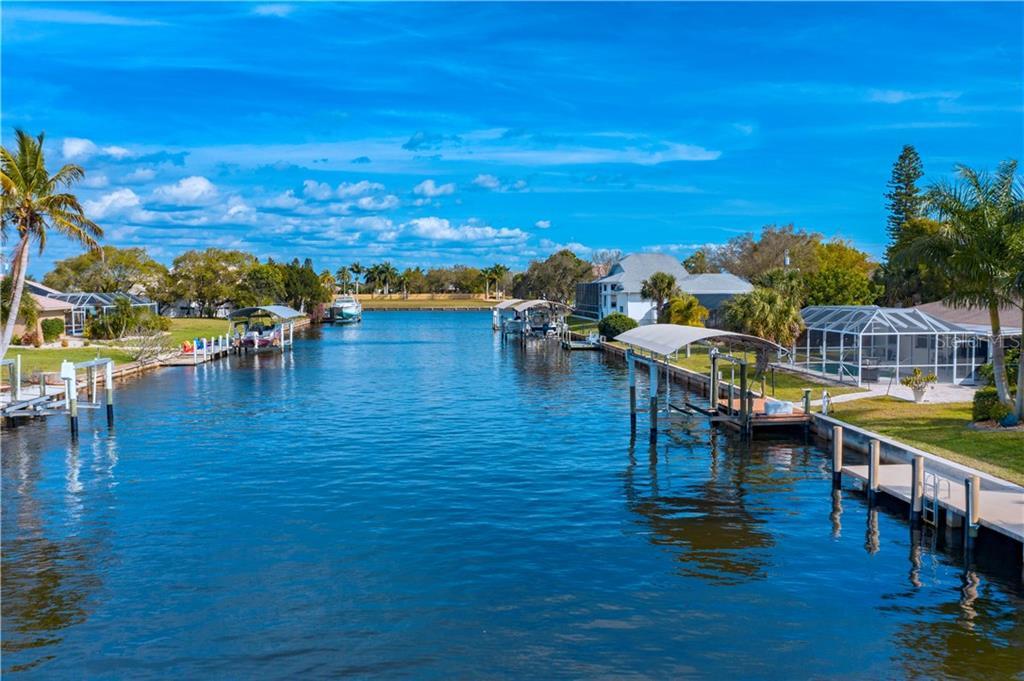 136 SINCLAIR STREET SE Property Photo - PORT CHARLOTTE, FL real estate listing