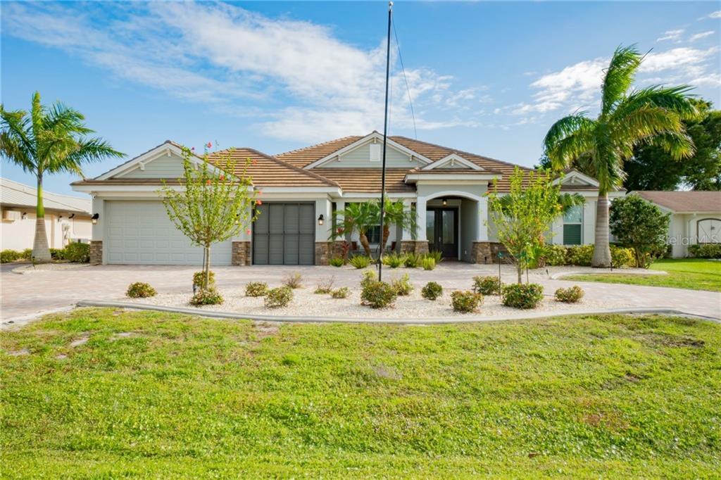 11991 SW KINGSWAY CIR Property Photo - LAKE SUZY, FL real estate listing