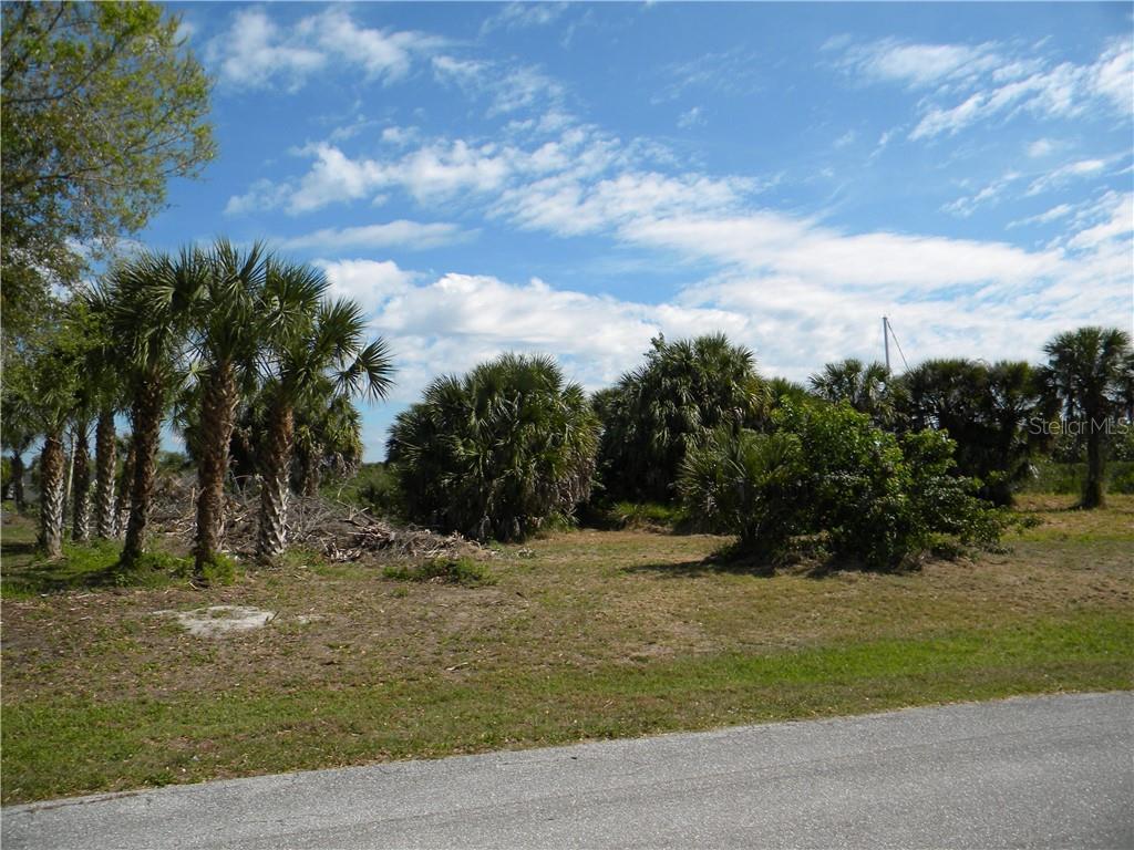 18590 KERRVILLE CIRCLE Property Photo - PORT CHARLOTTE, FL real estate listing