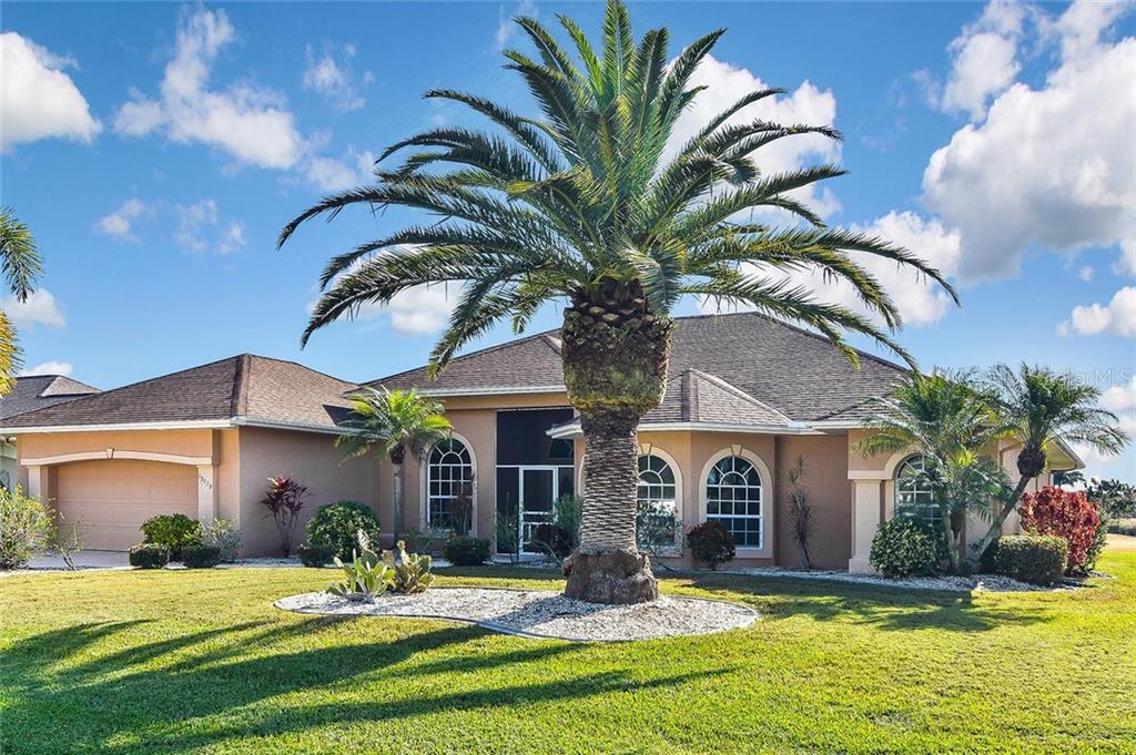 13029 SW KINGSWAY CIR Property Photo - LAKE SUZY, FL real estate listing
