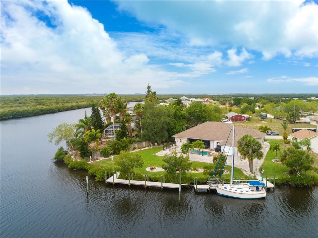 18138 PETOSKEY CIR Property Photo - PORT CHARLOTTE, FL real estate listing