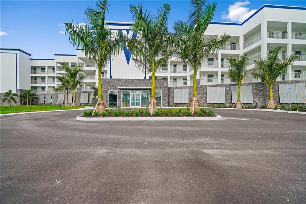 1425 Park Beach Circle #1410 Property Photo 1