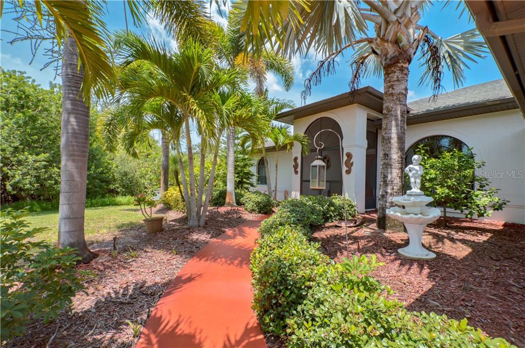 18670 KERRVILLE CIR Property Photo - PORT CHARLOTTE, FL real estate listing