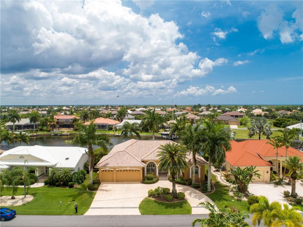 2135 CHARLOTTE AMALIE CT Property Photo - PUNTA GORDA, FL real estate listing