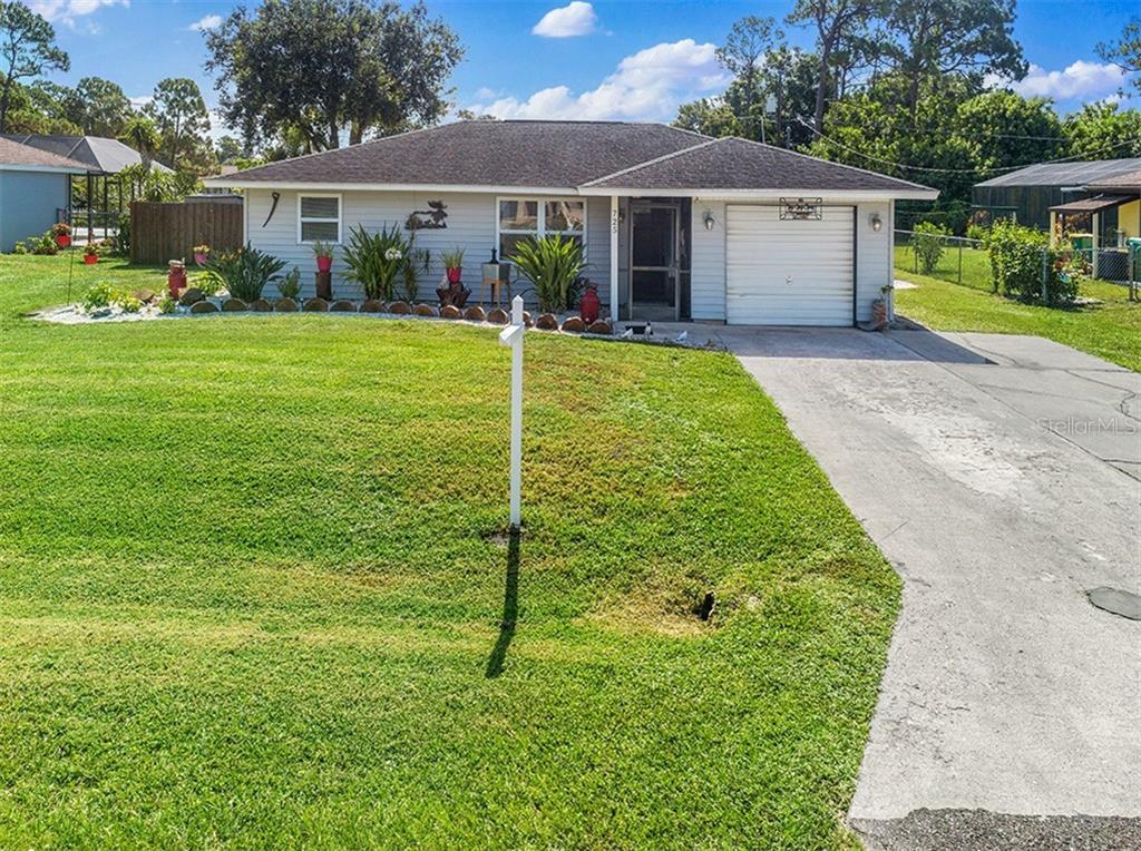 725 NEPTUNE STREET Property Photo - PORT CHARLOTTE, FL real estate listing