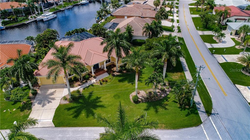 1233 SEA BREEZE COURT Property Photo - PUNTA GORDA, FL real estate listing