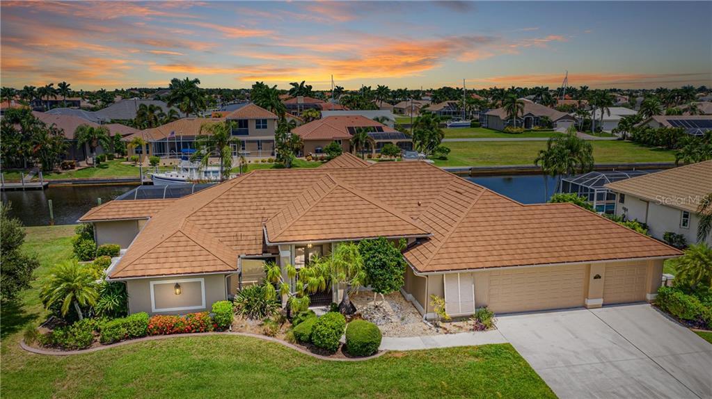 33950 Real Estate Listings Main Image