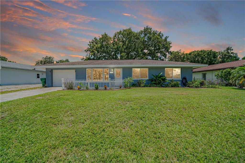 1025 NW LABELLE TERRACE NW Property Photo - PORT CHARLOTTE, FL real estate listing