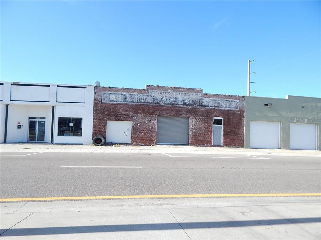 233 W MAGNOLIA STREET Property Photo
