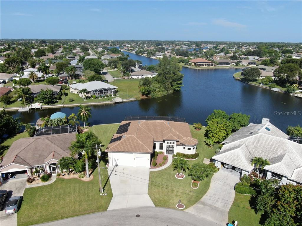 400 SE 13TH PLACE Property Photo - CAPE CORAL, FL real estate listing