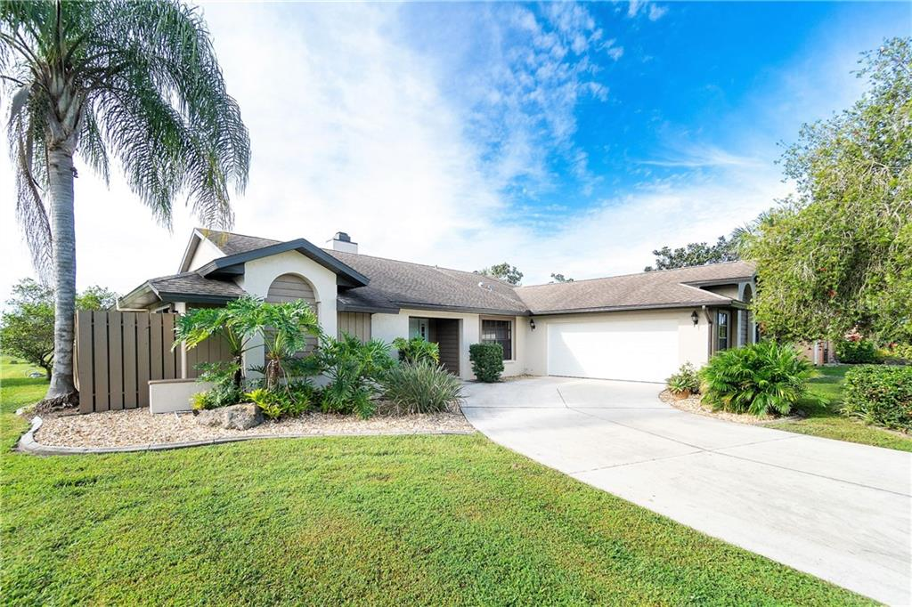 11917 SW KINGSWAY CIRCLE Property Photo - LAKE SUZY, FL real estate listing