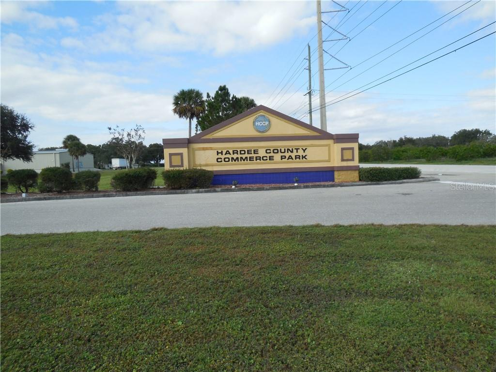 2548 COMMERCE COURT Property Photo - BOWLING GREEN, FL real estate listing