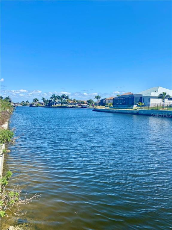 827 NW 36TH PLACE Property Photo - CAPE CORAL, FL real estate listing