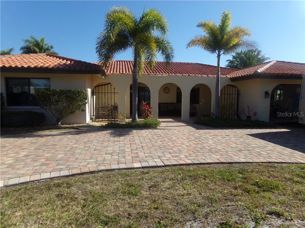 130 CREEK DRIVE SE Property Photo - PORT CHARLOTTE, FL real estate listing